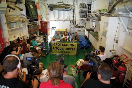 Rueda de prensa en el buque 'Esperanza'