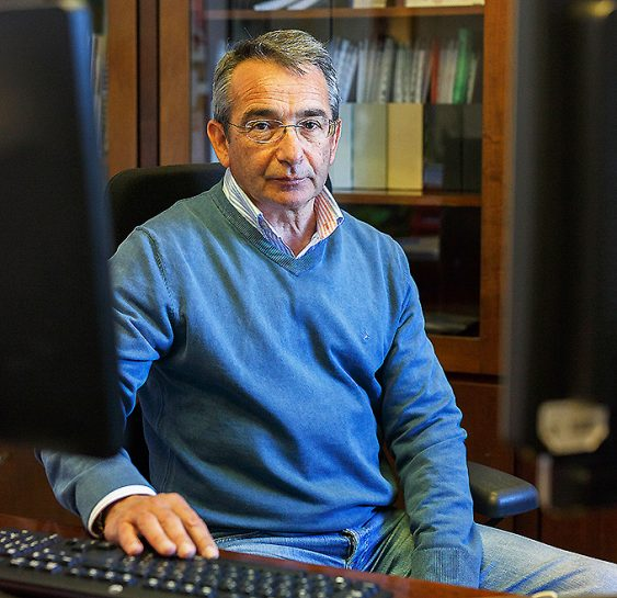 """No podemos seguir así"" Dr. Julio Díaz Jiménez, médico"