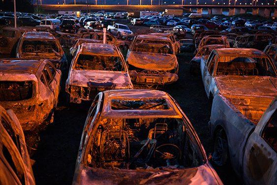 Desguace de coches incinerados